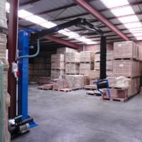 vacuüm werkplaatstakel in magazijn prilift ergonomisch hulpmiddel verkrijgbaar bij Statech